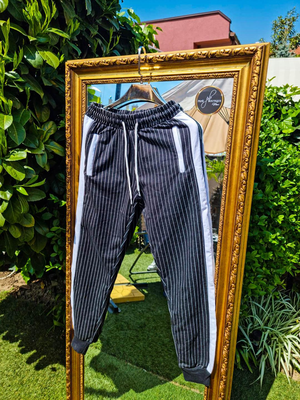 Мъжки черен раиран панталон с бяло