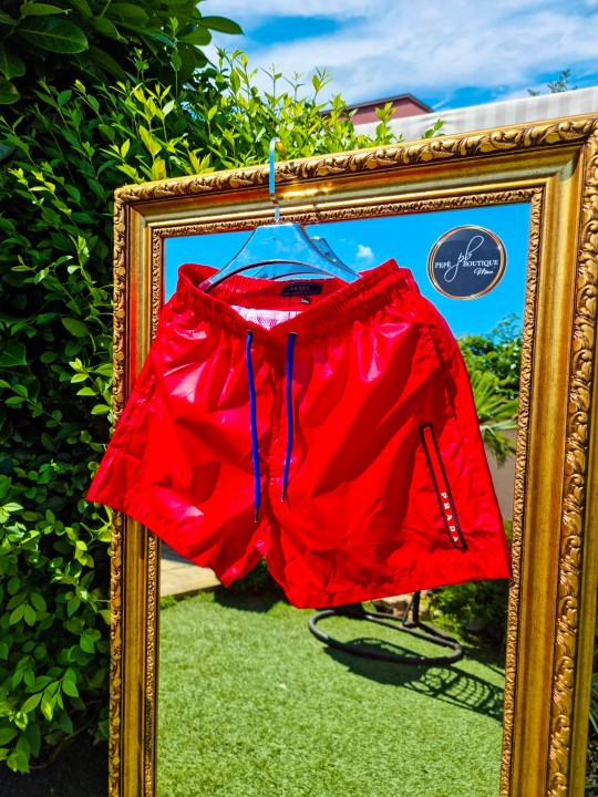 Мъжки плувни шорти в ярко червено