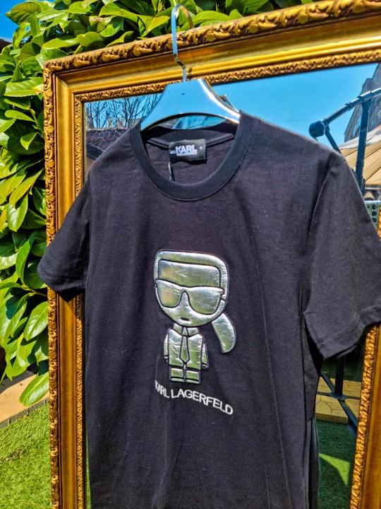Мъжка тениска със сребърна щампа
