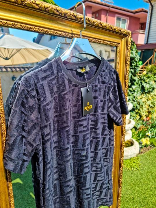 Мъжка велурена тениска