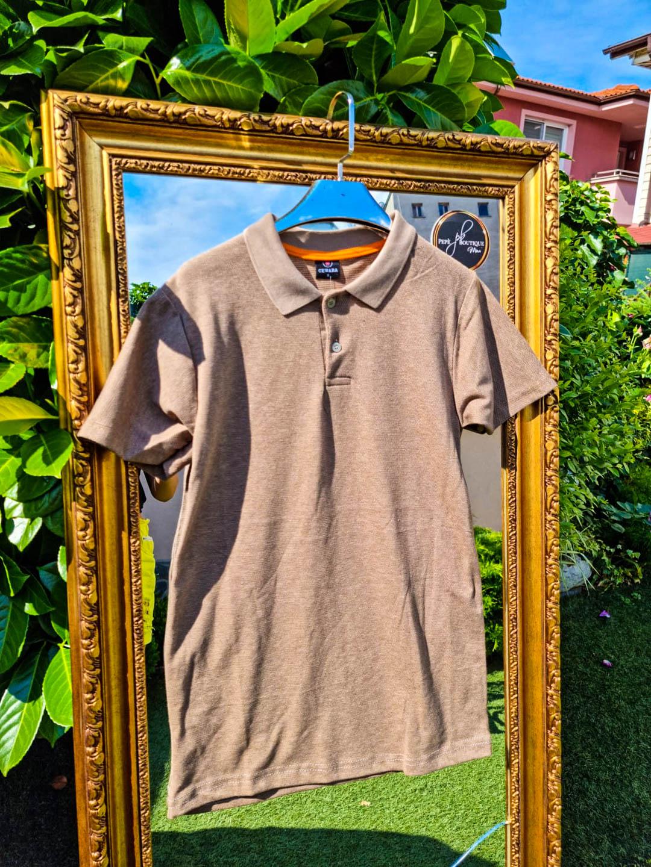 Мъжка тениска с яка в пясъчно жълто