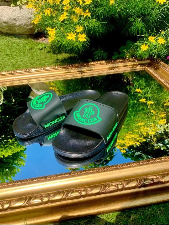 Мъжки чехли с електриково зелено